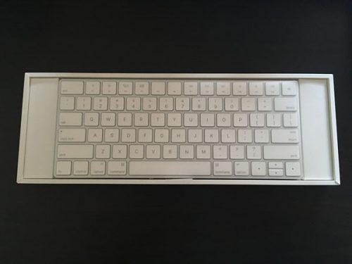 小箱にキーボード